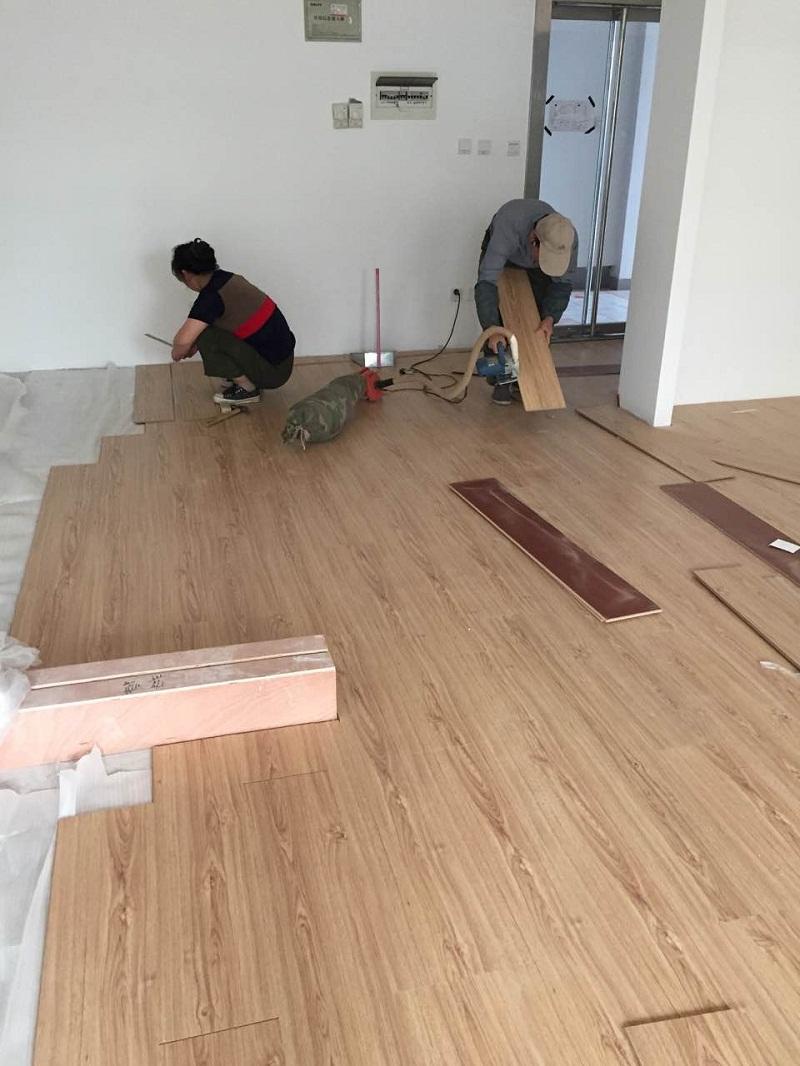 复合地板在市场上经常泛指强化复合木地板